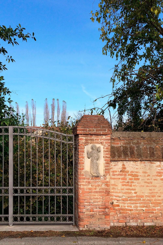 Anguillara Veneta_muro di cinta di Villa Arca del Santo