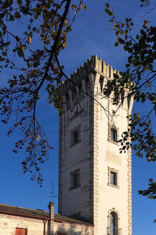 Tribano_Dettaglio della torre civica