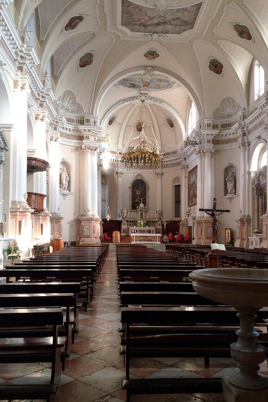 Conselve_Interno del Duomo di San Lorenzo