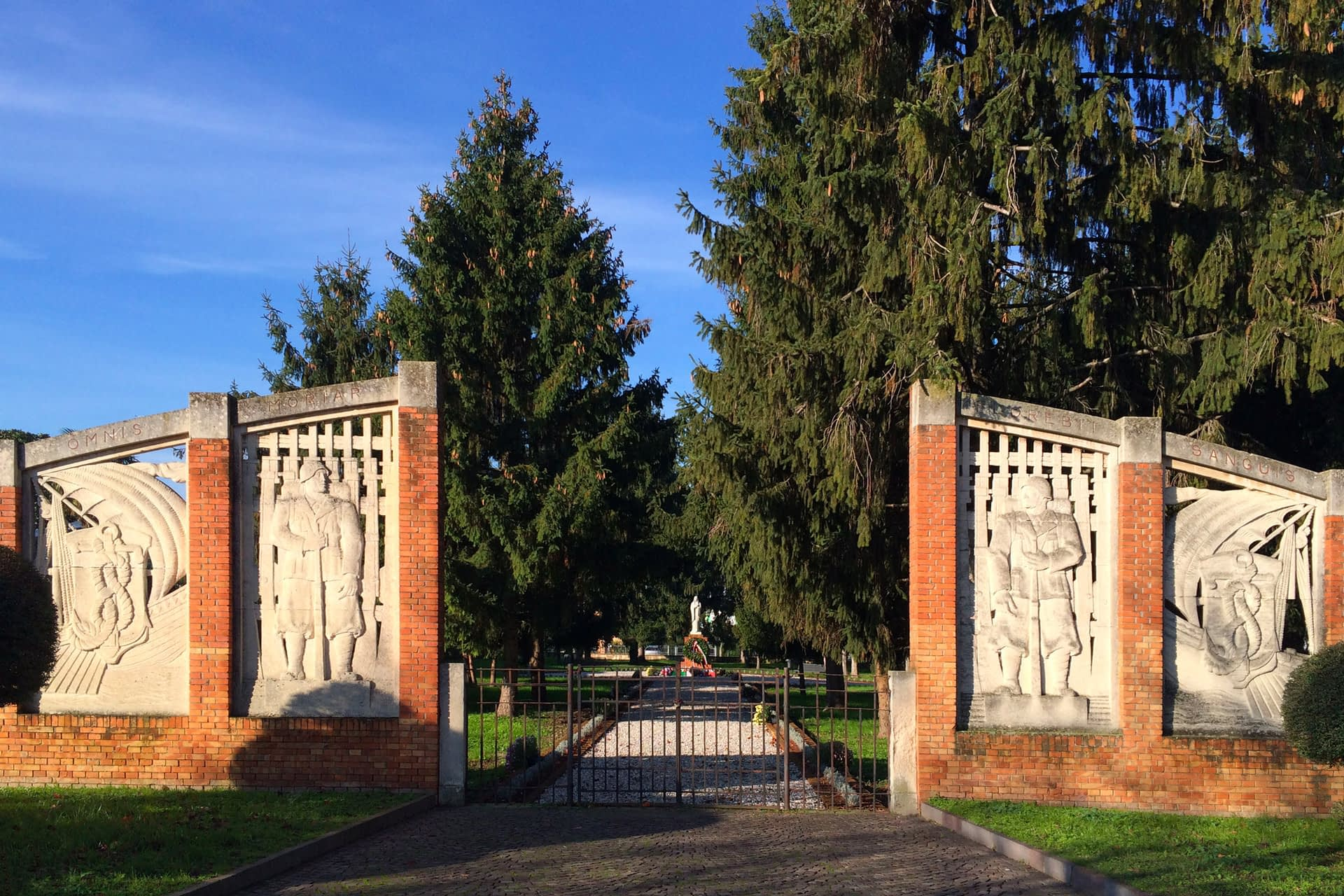 Tribano_Portale del Parco della Rimembranza